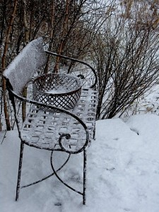 Bench and Basket in Snow ⓒ Michaela at TGE