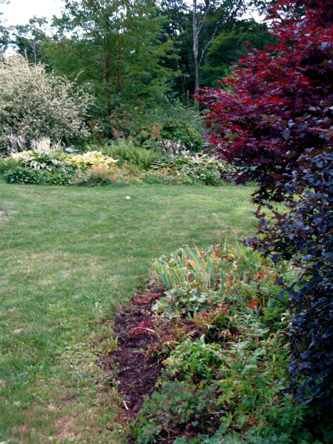 edged-mixed-borders