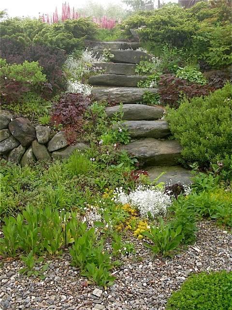 Secret Garden steps - June fog ⓒ Michaela at TGE