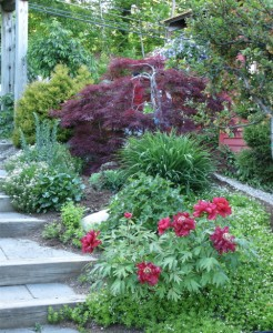 walker-farm-entry-to-perennial-garden-sales1