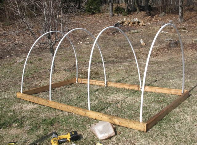 How To Build A Cold Frame Or Hoop House For A Garden The Gardener S Eden