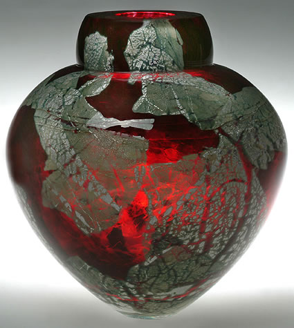 solinglass-emperor-bowl-gold-ruby-with-sterling-silver-leaf