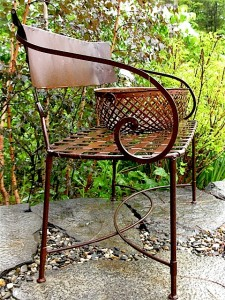 Rusted Bench Ferncliff ⓒ Michaela at TGE