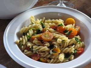 arugula-and-sungold-cherry-tomato-pasta
