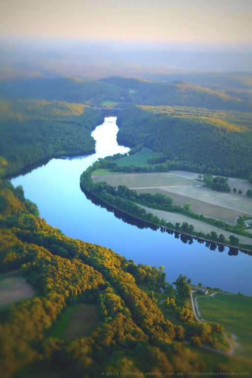 Connecticut_River_Pioneer_Valley_Aerial_Copyright_2013_Michaela_Medina_Harlow_thegardenerseden.com_no_use_without_permission_permitted