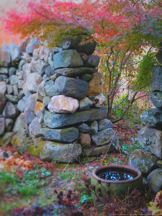 Secret Garden in Late October - michaela medina harlow - thegardenerseden.com